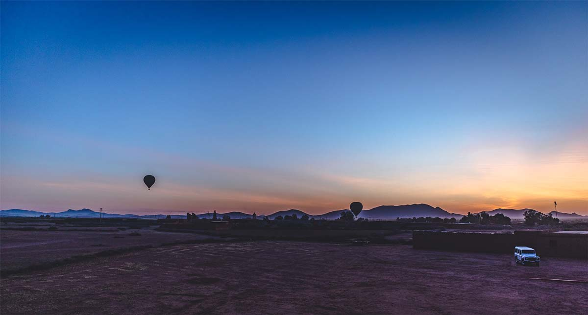 Start in the early morning with your hot air balloon tour from Marrakech
