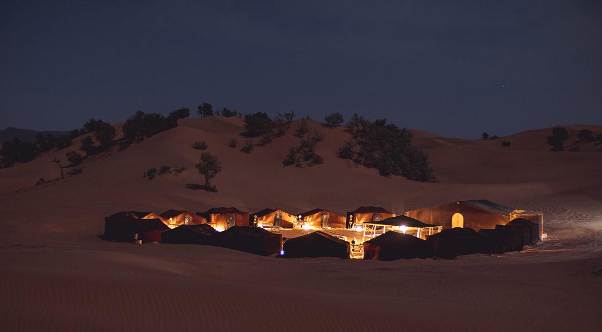 desert camp in erg chegaga at night